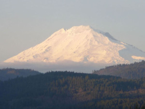 mt-adams-dressed-for-winter-1359622-640x480