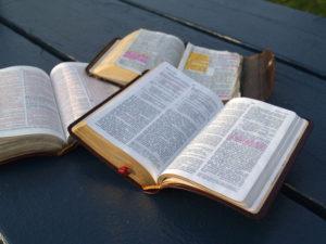 bible-study-1312533-640x480